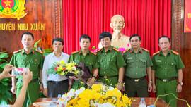 Thanh Hóa: Thưởng nóng 30 triệu đồng cho Công An huyện Như Xuân