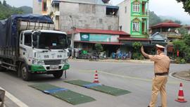 Khẩn trương khắc phục lỗi cân tải trọng, siết quản lý các xe chở cát từ Yên Bái sang Sơn La