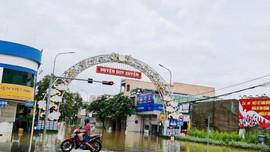 Quảng Nam: Nhiều nơi vẫn ngập sâu, 6 người chết và mất tích