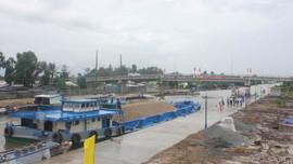 Tranh thủ xây dựng cống âu thuyền lớn nhất Việt Nam để chống hạn mặn