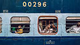 """Ấn Độ hướng tới """"xanh hóa"""" mạng lưới đường sắt"""
