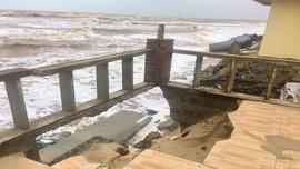 Quảng Bình: Nhiều tuyến đê kè bị sạt lở nghiêm trọng sau mưa lũ