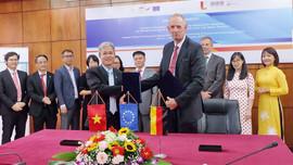 Đại học Bách Khoa Hà Nội phát triển ngành đào tạo về năng lượng tái tạo