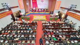 Phó Thủ tướng Thường trực Trương Hòa Bình dự, chỉ đạo Đại hội Đảng bộ tỉnh Bến Tre