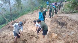 Vùng cao Quảng Nam lại bị sạt lở, học sinh phải chuyển trường