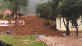 Quảng Trị: Sạt lở đất nghiêm trọng, hơn 20 cán bộ, chiến sĩ bị vùi lấp