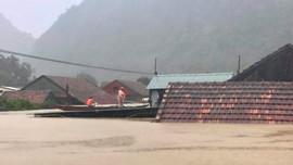 Quảng Bình chìm trong biển nước, hơn 57.000 ngôi nhà bị ngập