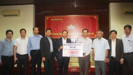 Bộ TN&MT trao ủng hộ Quảng Trị 1,3 tỷ đồng khắc phục hậu quả mưa lũ