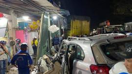 Quảng Ngãi: Tai nạn liên hoàn, nhiều người thương vong