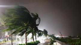 Ứng phó bão số 9: Tập trung tìm kiếm 2 tàu cá mất liên lạc