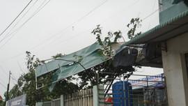 Quảng Ngãi dùng xe bọc thép đưa người đi cấp cứu trong bão số 9