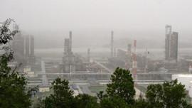 Nhà máy lọc dầu Dung Quất vẫn hoạt động sản xuất an toàn trong cơn bão số 9