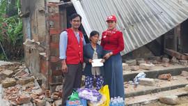 Khắc phục hậu quả sau bão số 9, người dân Bình Định không đơn độc