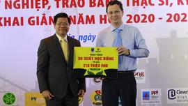 Phân bón Cà Mau trao học bổng 210 triệu đồng cho sinh viên Trường Đại học Dầu khí Việt Nam