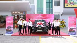 Vinfast đồng loạt khai trương 21 showroom ô tô và xe máy điện