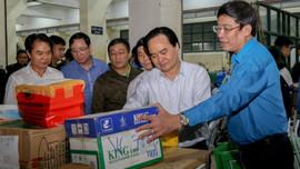 Hơn 22.000 bộ sách, vở viết được gửi về miền Trung