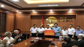 Huyện Nông Cống (Thanh Hóa) hỗ trợ huyện Duy Xuyên (Quảng Nam) hơn 500 triệu đồng