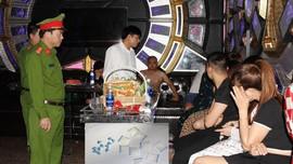 Hà Nam: Bắt quả tang 46 đối tượng sử dụng ma túy, đánh bạc, mua bán dâm trong khách sạn và quán karaoke