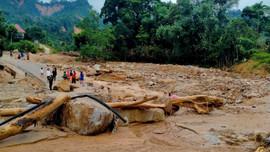 Nổ phá thông tuyến vào hai xã cô lập ở Phước Sơn, Quảng Nam