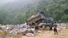 """Cao Bằng: Người dân """"kêu cứu"""" do bãi rác gây ô nhiễm nghiêm trọng"""