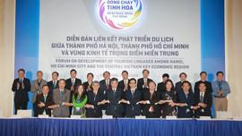 """Hà Nội, TP.HCM và 5 tỉnh, thành miền Trung """"bắt tay"""" phát triển du lịch"""