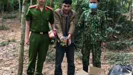 Quảng Trị: Bắt đối tượng vận chuyển gần 170 kg pháo lậu tại khu vực biên giới