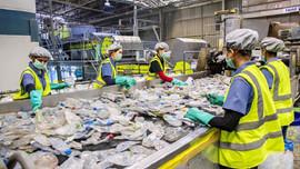 Việt Nam sẽ tiên phong giảm thiểu rác thải nhựa: Sức mạnh từ Luật Bảo vệ môi trường (sửa đổi)