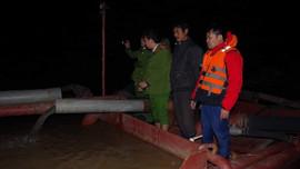 Hà Nam: Bắt quả tang 02 tàu hút cát trái phép trên Sông Hồng