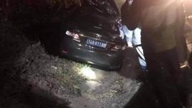 Quảng Ninh: Hai người trên ô tô biển xanh đâm vào đuôi xe container đã tử vong