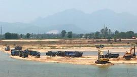Chủ tịch Quảng Ngãi yêu cầu rà soát, thu hồi các mỏ cát trên sông Trà Khúc