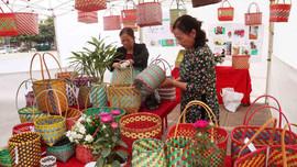 Hội Phụ nữ TP.Hạ Long tổ chức Ngày hội Tái chế và tái sử dụng rác thải nhựa.