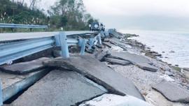 Thừa Thiên Huế: Tuyến đường Tây đầm Lập An hư hỏng nặng