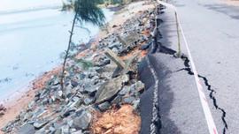 Thừa Thiên Huế: Khắc phục tuyến đường hơn 100 tỷ hư hỏng