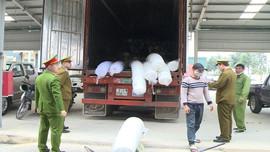 Thanh Hóa: Bắt giữ ô tô vận chuyển hơn 10 tấn hàng nghi nhập lậu