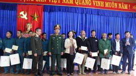 Trưởng Ban dân vận Trung ương thăm bà con vùng sạt lở tỉnh Quảng Nam