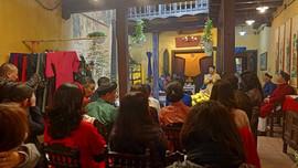 Không gian áo dài truyền thống giữa lòng Phố cổ Hà Nội