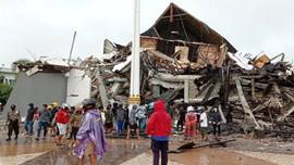 Sau động đất, Indonesia lại đối mặt với núi lửa hoạt động trở lại