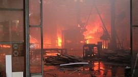 Hải Phòng: Cháy lớn thiêu rụi xưởng gỗ nội thất rộng 1.300m2