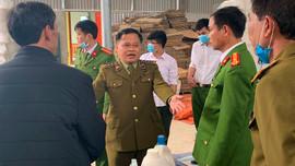 Thanh Hóa: Phát hiện cơ sở sản xuất nước giặt, nước tẩy rửa giả mạo Dnee, Javel