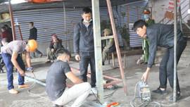 """Nghệ An: Cưỡng chế 7 hộ dân """"cố thủ"""" tại khu chung cư Quang Trung"""