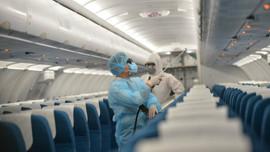 Hà Nội khẩn trương tìm hành khách trên 2 chuyến bay có bệnh nhân COVID-19