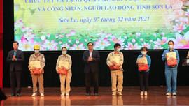 Trưởng Ban Tổ chức Trung ương Phạm Minh Chính thăm, tặng quà các đối tượng chính sách tỉnh Sơn La