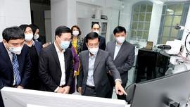 Thường trực Ban Bí thư Võ Văn Thưởng đến thăm, làm việc tại Viện Vệ sinh dịch tễ Trung ương