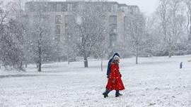 Châu Âu đối mặt với giá lạnh bất thường và bão tuyết