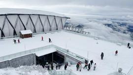 Lào Cai: Cảnh đẹp hiếm có của tuyết trên đỉnh FansiPan những ngày giáp Tết
