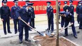 """Cảnh sát biển hưởng ứng """"Tết trồng cây đời đời nhớ ơn Bác Hồ"""""""
