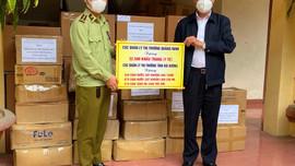 Lực lượng QLTT Hải Dương tiếp tục ủng hộ nhiều hàng hóa hỗ trợ chống dịch COVID-19