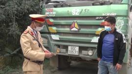 Hà Nam: Xử phạt hàng chục trường hợp xe quá khổ, quá tải sau tết Nguyên đán