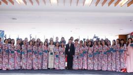 Áo dài làm đẹp cho PV GAS trong tuần lễ chào mừng Ngày 8/3