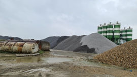 Tiên Du -Bắc Ninh: Trạm trộn bê tông của Công ty An Phúc hoạt động trái quy định, có biểu hiện xả thải gây ô nhiễm